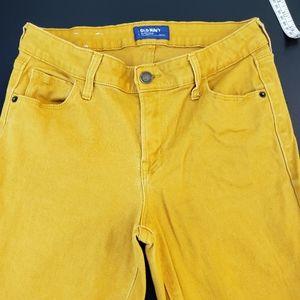 Old navy mustard yellow rockstar pants size 6